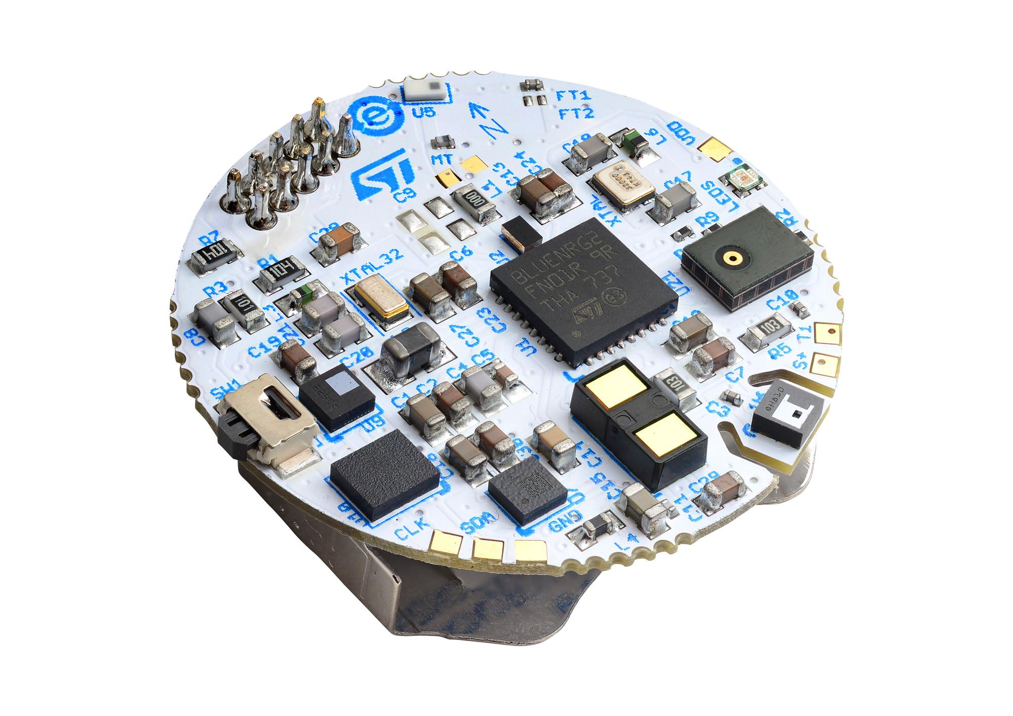 意法半导体参考设计为结构紧凑、经济划算的可穿戴设备提供社交距离监测、接触溯源和远程功能
